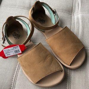 5e545b3401a617 Women s Vans ankle high sandal
